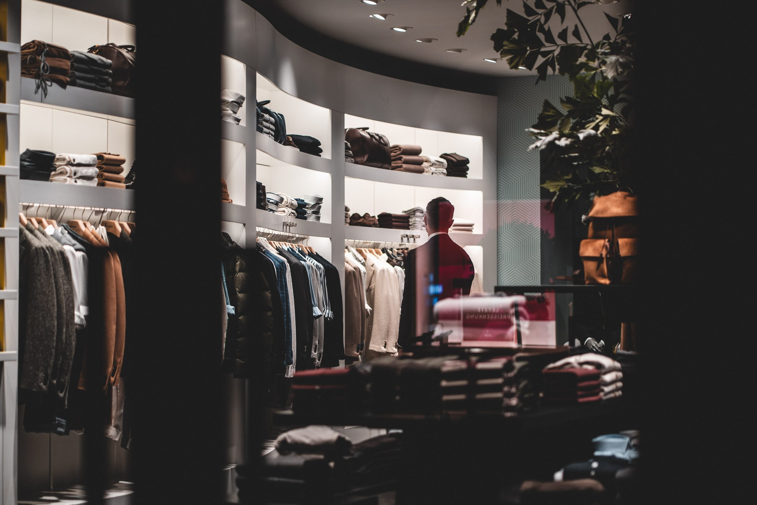 Key Considerations For Achieving Great Retail Store Lighting